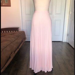 BANANA REPUBLIC light pink pleated maxi skirt